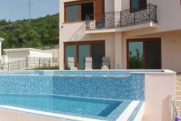 Фасад дома. Черногория, Шушань : Современная вилла с бассейном и видом на море, 3 спальни, барбекю, парковка, Wi-Fi