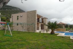 Front of the house. Montenegro, Susanj : Villa with 4 bedrooms in Susanj for 10 guests