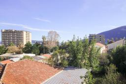 Вид. Черногория, Игало : Студия с плазменным телевизором, кондиционером и балконом