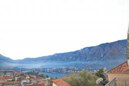 Вид на море. Черногория, Доброта : Студия с балконом и видом на море