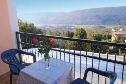 Балкон. Черногория, Герцег-Нови : Прекрасный дом с бассейном и двориком, 6 спален, 2 ванные комнаты, парковка, Wi-Fi