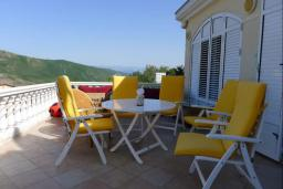 Terrace. Montenegro, Budva : Villa with 4 bedrooms in Budva for 8 guests