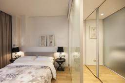 Спальня 2. Черногория, Будва : Роскошный пентхаус с просторной гостиной, тремя спальнями, двумя ванными комнатами и большой террасой с шикарным видом нам море