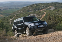 Mitsubishi Pajero 3.2 автомат : Черногория
