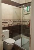 Ванная комната. Черногория, Утеха : Прекрасная вилла с бассейном в 30 метрах от пляжа, 3 спальни, 2 ванные комнаты, парковка, Wi-Fi