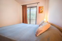 Спальня 2. Черногория, Пржно / Милочер : Апартамент с гостиной, двумя спальнями и балконом