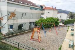Детская площадка в Дженовичи