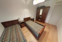 Спальня 2. Черногория, Пржно / Милочер : Апартамент в 100 метрах от пляжа, с гостиной, двумя спальнями и терраса