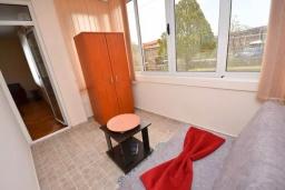 Спальня 3. Черногория, Тиват : Апартамент в 20 метрах от моря, с гостиной, тремя спальнями и террасой