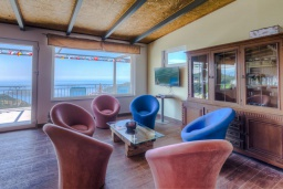 Гостиная. Черногория, Будва : Прекрасная вилла с бассейном и видом на море, 5 спален, 3 ванные комнаты, барбекю, парковка, Wi-Fi