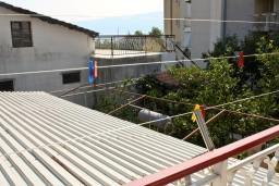 Вид. Черногория, Биела : Апартамент для 5 человек с отдельной спальней, с балконом