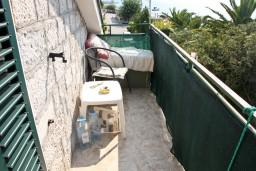 Балкон. Черногория, Кумбор : Апартамент для 9 человек с отдельной спальней, c балконом и видом на море