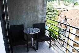 Черногория, Игало : Комната для двоих с французской кроватью и ванной комнатой