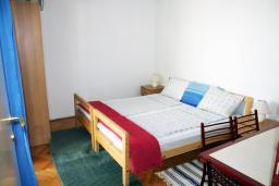 Спальня. Черногория, Игало : Апартамент на 1 этаже с двумя спальнями на 4-х человек