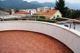 Балкон. Черногория, Биела : Уютная студия со всеми удобствами