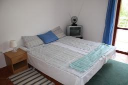 Студия (гостиная+кухня). Черногория, Игало : Студия на 2 этаже с балконом на вилле с бассейном