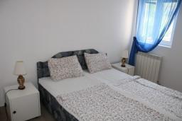 Студия (гостиная+кухня). Черногория, Игало : Студия на 1 этаже с балконом в 20 метрах от пляжа