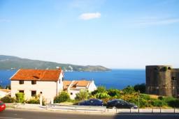 Вид. Черногория, Герцег-Нови : Апартамент с отдельной спальней, с террасой и видом на море