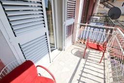 Балкон. Черногория, Петровац : Апартаменты на 5 персон, 2 спальни, с видом на море