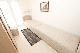 Спальня 2. Черногория, Петровац : Апартаменты на 5 персон, 2 спальни, с видом на море