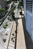 Балкон. Черногория, Мельине : Апартамент с отдельной спальней, с балконом и видом на море