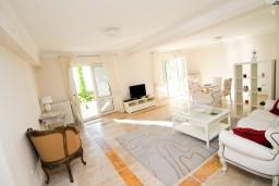 Гостиная. Черногория, Святой Стефан : Люкс апартамент с одной спальней на Святом Стефане