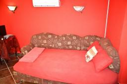 Living room. Montenegro, Baosici : House with 1 bedroom in Baosici for 4 guests
