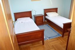 Спальня 2. Черногория, Бечичи : Люкс апартамент 2 спальни 90м2 в Бечичи, 2 ванные комнаты