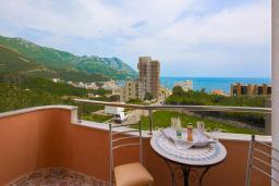 Балкон. Черногория, Бечичи : Двухместный номер с видом на море