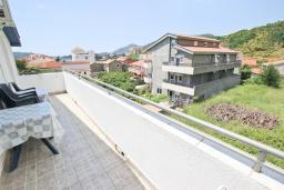 Балкон. Черногория, Бечичи : Апартаменты на 5 персон, 2 спальни, с видом на море