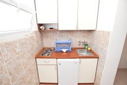 Студия (гостиная+кухня). Черногория, Бечичи : Студия на 3 персоны