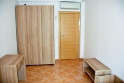 Спальня 2. Черногория, Пржно / Милочер : Апартаменты на 6 персоны, 3 спальни, 50 метров от пляжа