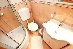 Ванная комната. Черногория, Пржно / Милочер : Студия на 3 персоны