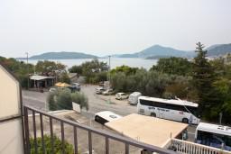 Вид на море. Черногория, Каменово : Апартамент с видом на море, 100 метров от пляжа