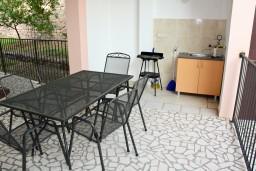 Терраса. Черногория, Каменово : Апартамент на 4-6 персоны, с 2-мя отдельными спальнями, с балконом с видом на море