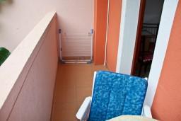 Балкон. Черногория, Каменово : Студия на первом этаже в 300 метрах от моря