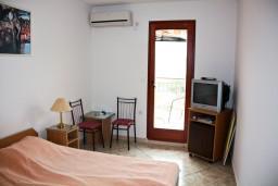 Черногория, Каменово : Комната на 2 персоны, с кондиционером, с видом на море
