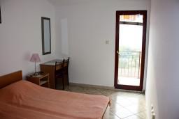 Спальня. Черногория, Каменово : Апартаменты на 4 персоны, 2 спальни, с видом на море