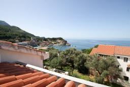 Вид. Черногория, Каменово : Студия с террасой с шикарным видом на море, 150 метров от пляжа