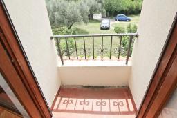 Балкон. Черногория, Булярица : Апартаменты с отдельной спальней, с 2-мя балконами