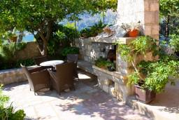 Терраса. Черногория, Доброта : Апартамент с 2-мя спальнями у моря, с видом на залив