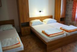 Спальня 2. Черногория, Котор : Апартаменты на 5 персон, 2 спальни