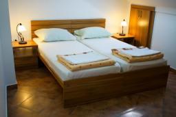 Спальня 2. Черногория, Котор : Апартаменты на 4 персоны, 2 спальни