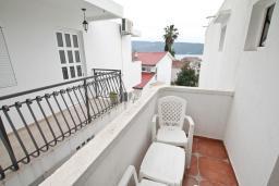 Балкон. Черногория, Мельине : Комната для 2 человек, с балконом с видом на море