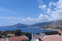 Вид на море. Черногория, Каменово : Апартамент с отдельной спальней, с террасой с видом на море