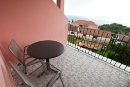 Балкон. Черногория, Каменово : Студия с балконом видом на море