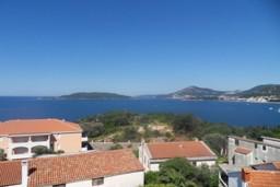 Вид на море. Черногория, Каменово : Студия с балконом видом на море
