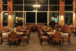 Кафе-ресторан. Avala Resort 4+* в Будве