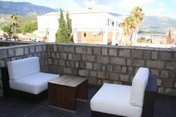 Балкон. Черногория, Будва : Люкс с видом на горы