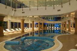 Бассейн. Splendid Conference & Spa Beach Resort 5* в Бечичи